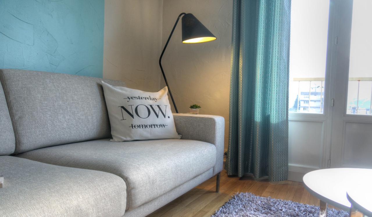 Salon scandinave - Bleu Cerise